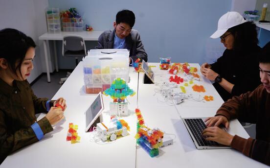 线上教育模式或成趋势 KOOV可编程教育机器人助力本土教育创新