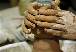 创业发财致富,小小画家手工坊加盟费只要20-50万!
