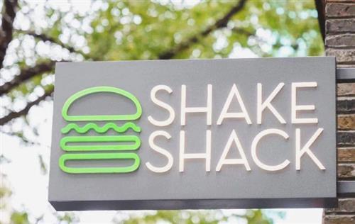 网红汉堡Shake Shack的成名之路:从小推车起家、和麦当劳唱反调