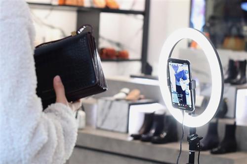 开元化妆品杨国平:店铺做直播顾客的粘度不高