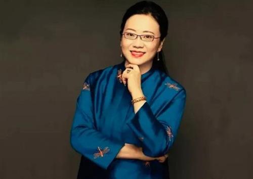 依文集团创始人夏华:从时装到6条医护用品生产线的女老板