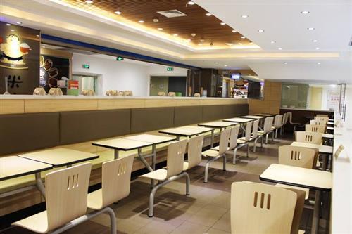 一个新手创业者选择进入餐饮行业,如何正确抉择餐饮加盟品牌