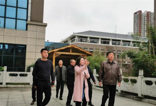 北京四中网校向安顺二中捐赠教育云平台签约仪式