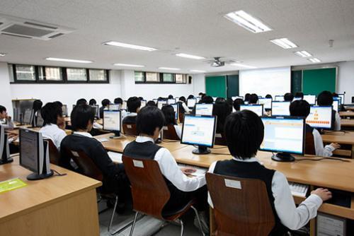 北京四中网校广元地区智慧课堂英语研讨会在剑门中学召开