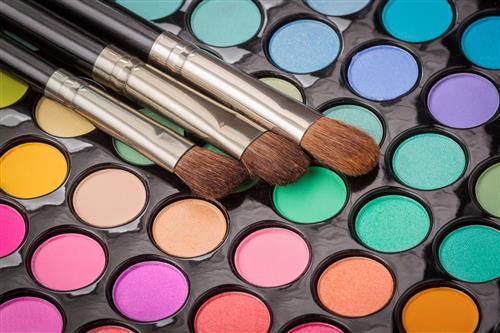 加盟精妆联华化妆品 创造属于自己的财富之路