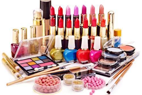 专业的美妆零售品牌 加盟花漾精选美妆快速拥有一家美妆店铺