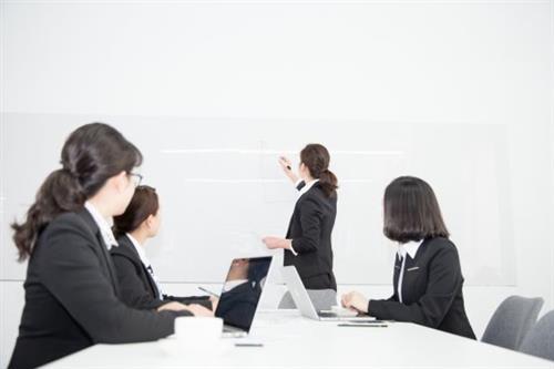 巴仑思教育加盟怎么样?定期培训,助力校区省心经营