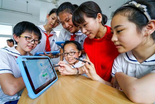 融合教学教育新常态下 教育信息化水平进一步提升