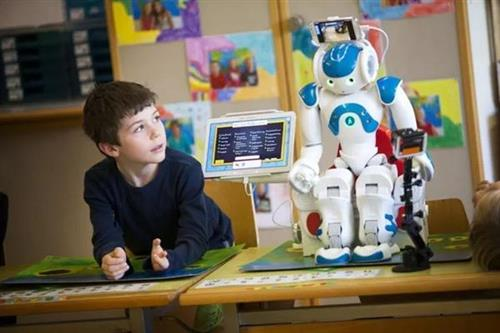 AI教育机器人,或将成为下一个千亿级市场