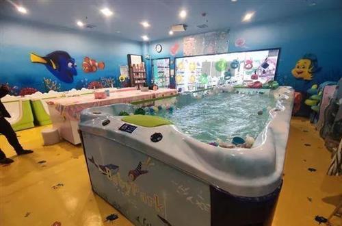 开婴儿游泳馆是加盟还是自营,分析优缺点和选择