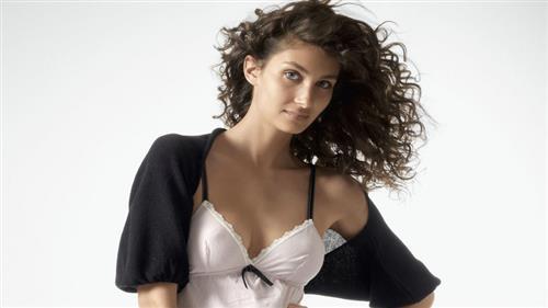 洛丽塔丽娅内衣加盟品牌时尚潮流,备受消费者青睐!