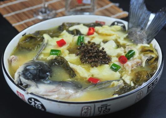 老坛子酸菜鱼